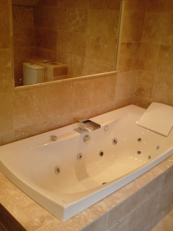 16 Spa Bath Modern Tap Design Albion Bathrooms Kitchens And Electricals